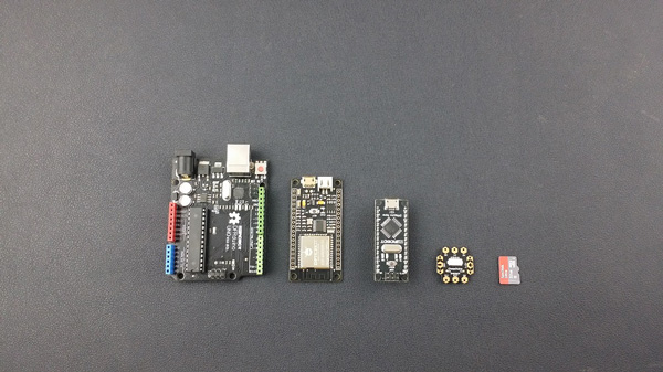 FireBeetle ESP32 IOT Microcontroller Size Comparsion