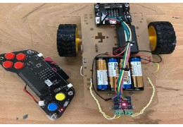 micro:bit car with DFRobot gamepad