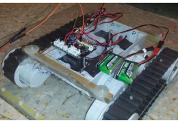 DIY BLE Control RC Rover (Powered by Romeo BLE Quard)