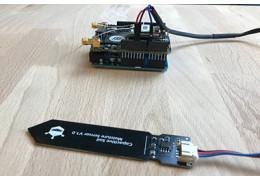 Wireless Soil Moisture Probe with Helium and DFRobot